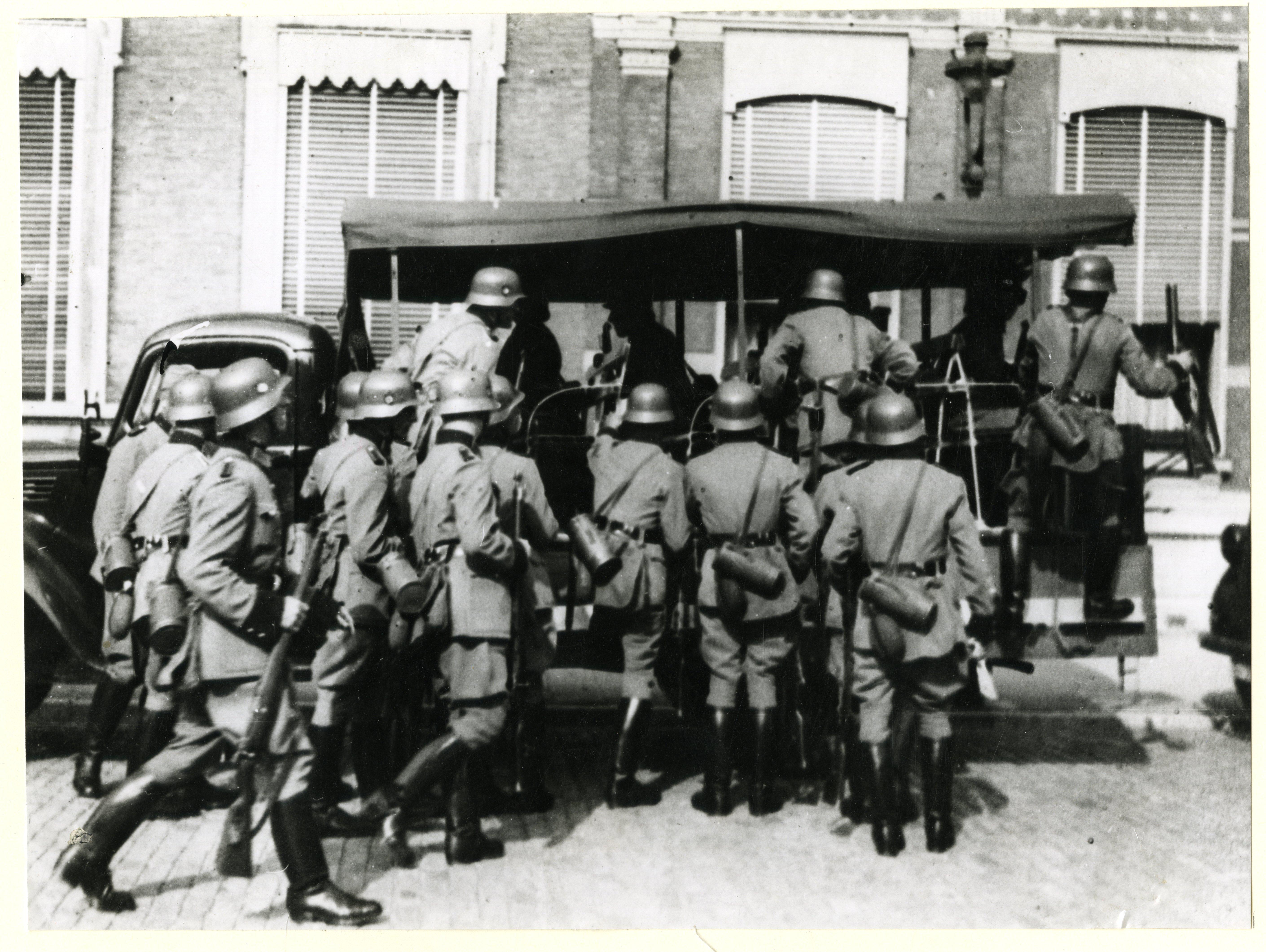 Overval van de 'Grüne Polizei' 1944.
